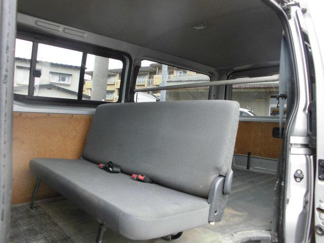 トヨタ ハイエースバン 5ドア ロングDX 4WDディーゼルターボ 6人乗り