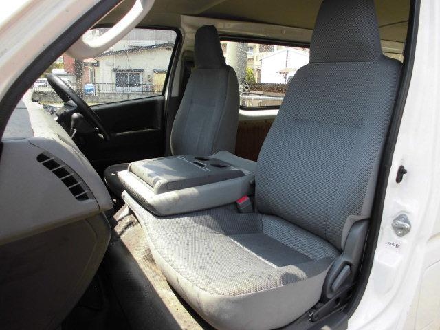 トヨタ ハイエースバン ロングDX 5ドア 4WDディーゼルターボ