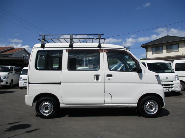 スペシャル 4WD 5MT エアコン パワステ ルーフキャリア(4枚目)