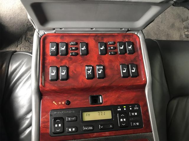 標準仕様車 デュアルEMVパッケージ ナビ 革リフレッシュシート ETC AW 後席モニタ エアサス(6枚目)