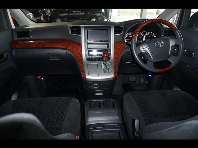 トヨタ ヴェルファイア Z PLATINUMセレクション 7人 4WD