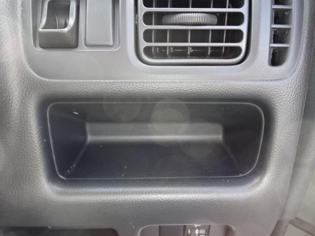 KCスペシャル 4WD 5MTエアコンパワステ純正ラジオ(16枚目)