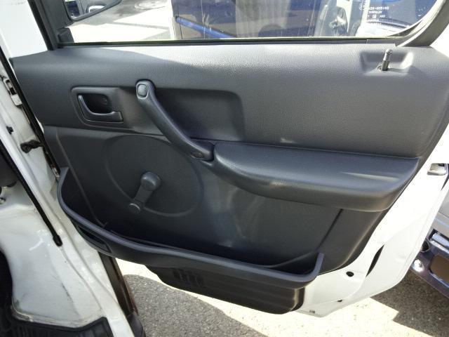 KCスペシャル 4WD 5MTエアコンパワステ純正ラジオ(18枚目)