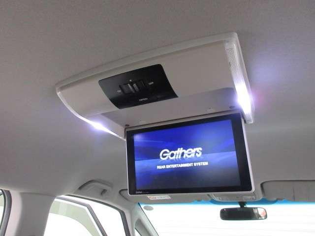 【リア席モニター】後ろに乗車している人を飽きさせません♪ テレビやDVDビデオを見ながら楽しいドライブを〜☆♪