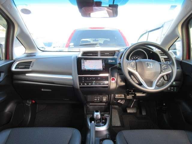 運転席・助手席+サイド・サイドカーテンエアバックに衝突軽減ブレーキ・横滑り防止装置もついて、安全面も安心できますね♪
