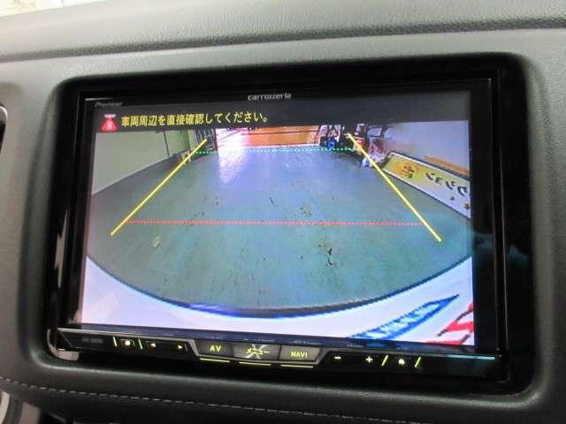 カロッツェリア製HDDナビです(AVIC-ZH0999L)。ミュージックサーバー、フルセグ、DVDとCD再生など、オーディオ機能が充実しています。