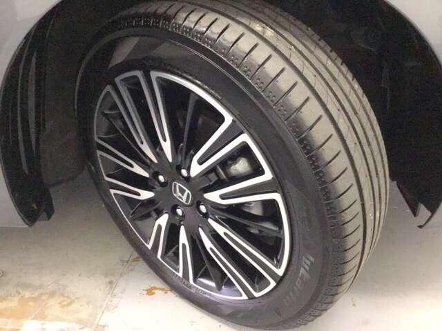 リュクス 1.3リュクス アイドリングストップ クルーズコントロール ABS スマートキー フルセグ 衝突被害軽減ブレーキ ETC(20枚目)
