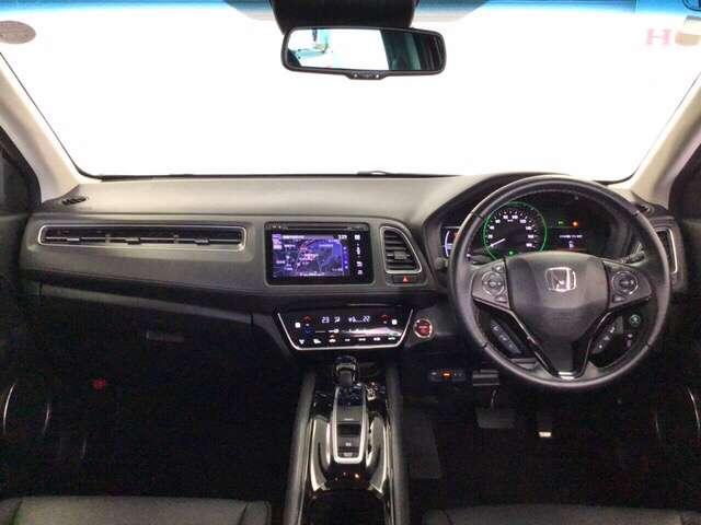 ハイブリッドZ・ホンダセンシング 衝突軽減ブレーキ装備 クルコン フルセグTV 衝突軽減B LEDライト メモリーナビ ナビTV シートヒーター CD バックモニター AWD スマートキー レザーシート DVD Pシート(7枚目)