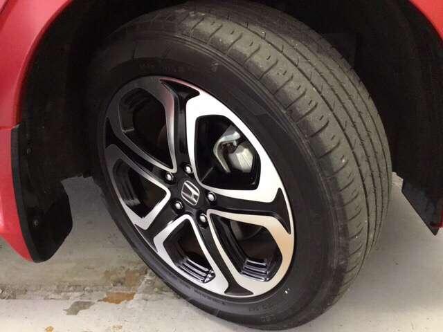 ハイブリッドZ・ホンダセンシング 衝突軽減ブレーキ装備 クルコン フルセグTV 衝突軽減B LEDライト メモリーナビ ナビTV シートヒーター CD バックモニター AWD スマートキー レザーシート DVD Pシート(20枚目)