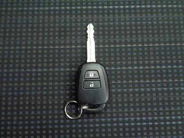 キーのスイッチでドアロックの施錠、開錠ができます