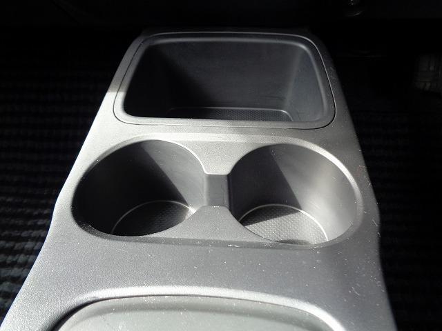 M アイドリングストップ CD キ-レス フルオ-トAC ABS Wエアバック 電格ドアミラ- プライバシーガラス(32枚目)