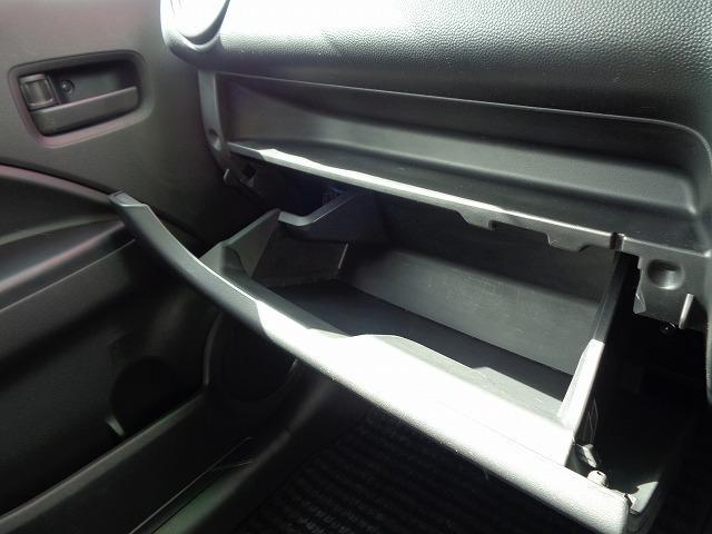M アイドリングストップ CD キ-レス フルオ-トAC ABS Wエアバック 電格ドアミラ- プライバシーガラス(35枚目)