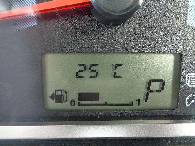 M アイドリングストップ CD キ-レス フルオ-トAC ABS Wエアバック 電格ドアミラ- プライバシーガラス(38枚目)
