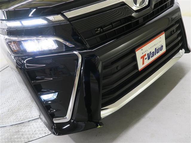 【LEDヘッドライト】ヘッドライトは明るいLEDタイプ 消費電力も少ないLEDヘッドランプです. だから夜間の走行も安心・安全。 人気の装備です。