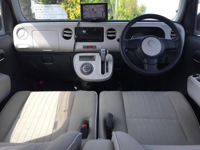 明るい内装で、気分もウキウキ。ドライバーにとっては、外観よりも、いつも目にする内装も重要。明るい内装で快適ドライブを楽しみましょう。