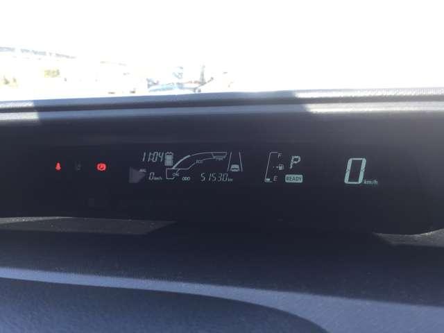 「メーター」視認性の良いメーター類です。入庫時の走行距離を表示しています。