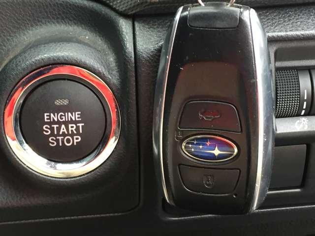 「スマートキー&プッシュスタート」 カギを出さなくてもドアロック&解除、エンジンスタート&ストップが出来ます♪