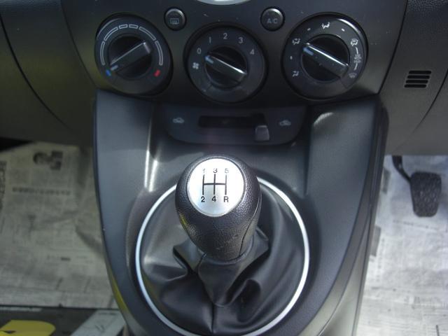 13C 5速MT車 キーレス 電格ミラー CD WエアB(17枚目)