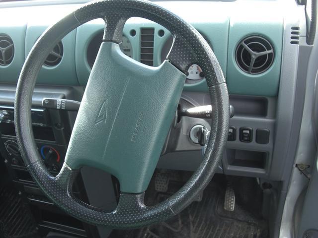 G 4WD 5速MT車 キーレス AW CD Wエアバック(7枚目)