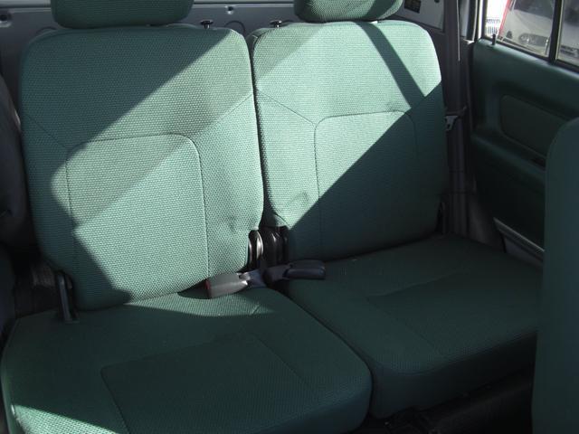 G 4WD 5速MT車 キーレス AW CD Wエアバック(9枚目)