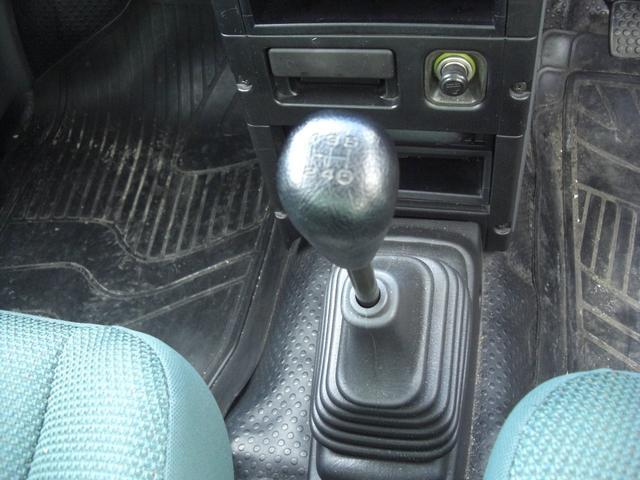 G 4WD 5速MT車 キーレス AW CD Wエアバック(13枚目)