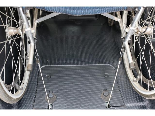 X ウェルキャブ 車いす仕様車Iリア席付 車高降下装置(7枚目)