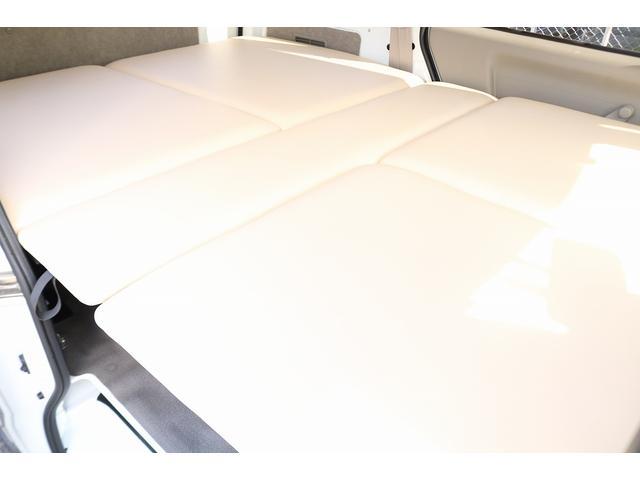 キャンピングカー 新品ベッドキット 新品サブバッテリー 走行充電 室内灯LED 新品ベバストFFヒータ- 新品ストラーダメモリーナビ 地デジ キーレス(3枚目)