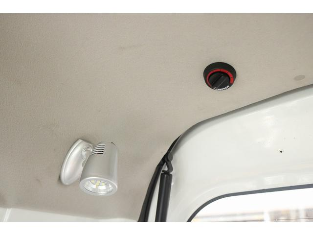 キャンピングカー 新品ベッドキット 新品サブバッテリー 走行充電 室内灯LED 新品ベバストFFヒータ- 新品ストラーダメモリーナビ 地デジ キーレス(16枚目)