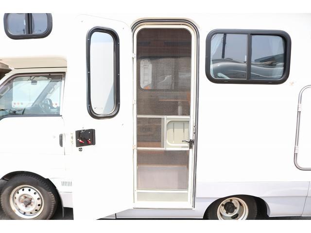キャンピングカー AtoZ アミティ 4WD 常設二段ベッド ツインサブバッテリー ベバストFFヒーター サイクルキャリア サイドオーニング マックスファン 冷蔵庫 インバーター500W 走行充電(30枚目)