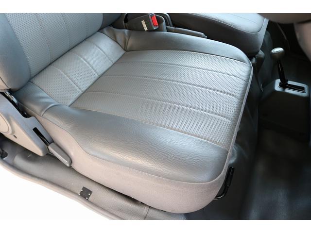 キャンピングカー AtoZ アミティ 4WD 常設二段ベッド ツインサブバッテリー ベバストFFヒーター サイクルキャリア サイドオーニング マックスファン 冷蔵庫 インバーター500W 走行充電(38枚目)