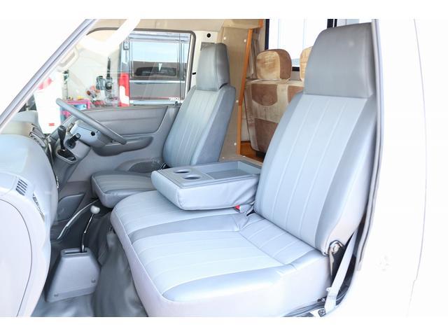 キャンピングカー AtoZ アミティ 4WD 常設二段ベッド ツインサブバッテリー ベバストFFヒーター サイクルキャリア サイドオーニング マックスファン 冷蔵庫 インバーター500W 走行充電(40枚目)