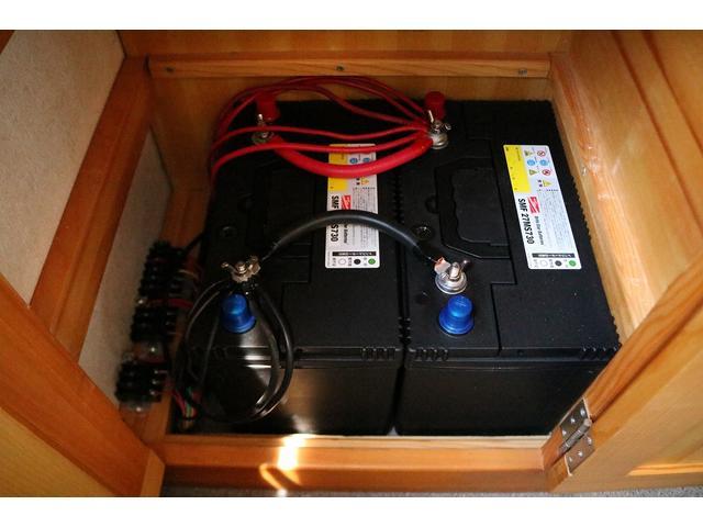 キャンピングカー AtoZ アミティ 4WD 常設二段ベッド ツインサブバッテリー ベバストFFヒーター サイクルキャリア サイドオーニング マックスファン 冷蔵庫 インバーター500W 走行充電(54枚目)