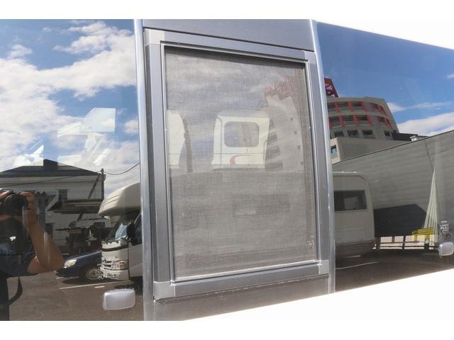 キャンピングカー ファーストカスタム リモギンガ 2WD 冷蔵庫 シンク コンロ FFヒーター 電子レンジ サブバッテリー 走行充電 外部充電 LED照明 社外HDDナビ 地デジ バックカメラ(30枚目)