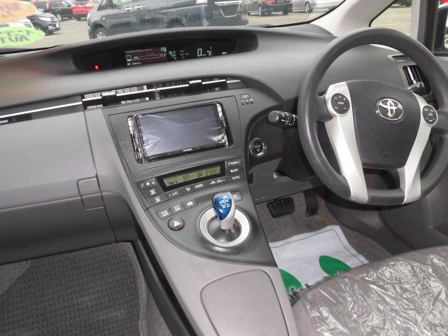 トヨタ プリウス Sタイプ 新品SDナビ ワンセグTV ETC スマートキー