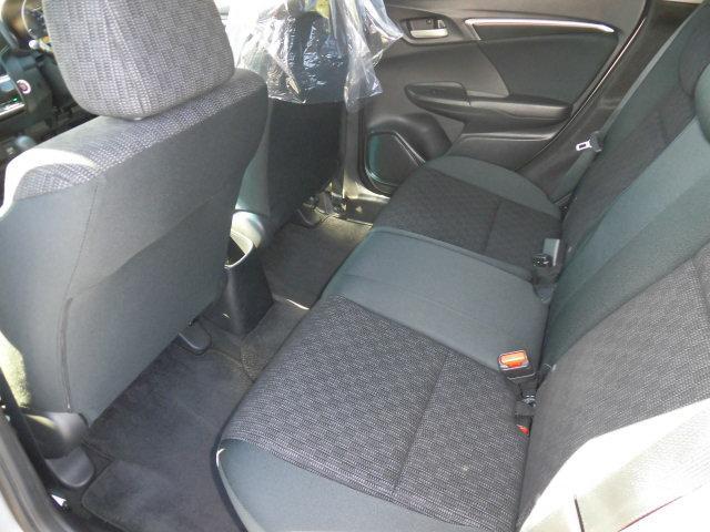 ホンダ フィット 13G・Fパッケージ 4WD 社外SDナビ スマートキー