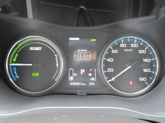 Gセーフティパッケージ 4WD 純正ナビ フルセグTV CD DVD再生可 Bluetooth接続可 ミュージックプレイヤー接続可 ワンオーナー キーレスプッシュ HIDヘッドライト 衝突被害軽減システム ハーフレザーシート ETC(10枚目)