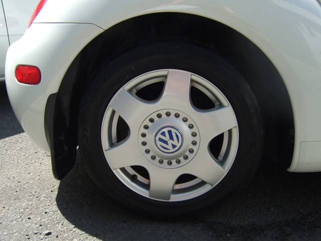 フォルクスワーゲン VW ニュービートル プラスサンルーフ黒レザーDVDナビ