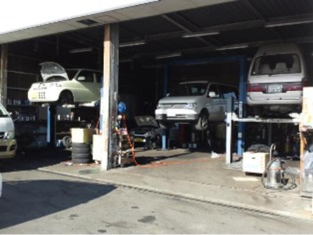 認証工場完備しております!ご契約いただいたお車はこちらでベテランスタッフが整備いたします!車検や点検などのアフターサービスもこちらで行います!ご安心ください!