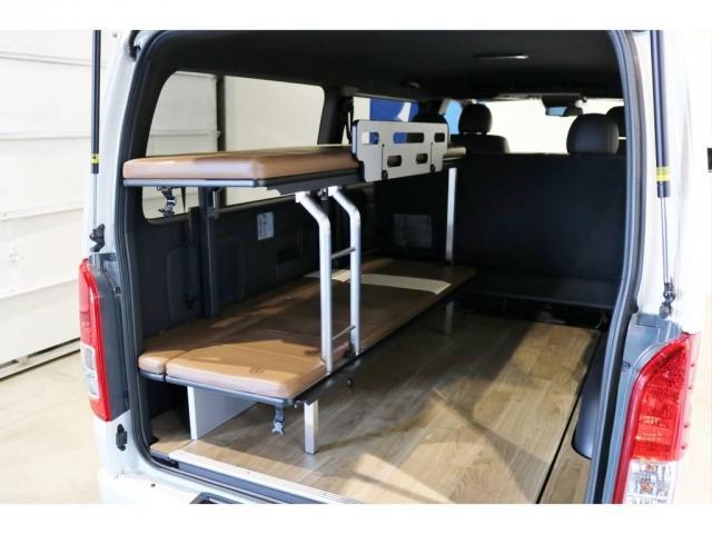 全てのベッドを格納すれば、広々としたカーゴスペースになるなど、快適な寛ぎ空間を演出します。