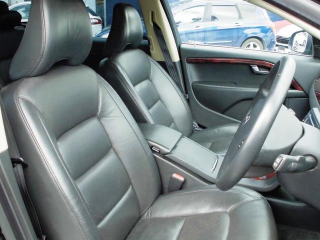 ボルボ ボルボ V70 3.2SE 黒革 フルセグHDDナビ キセノン