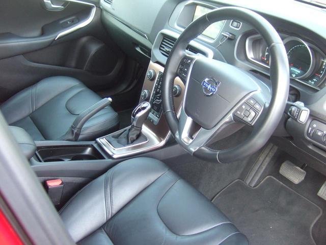 ボルボ ボルボ V40 T4 SE 黒革 フルセグHDDナビ キセノン
