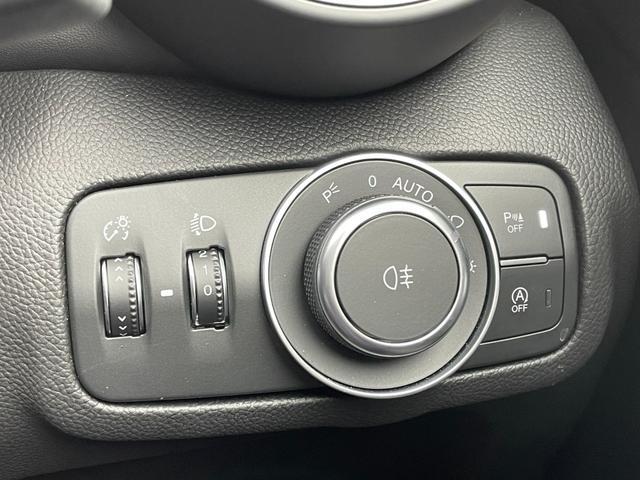 ヴェローチェ 黒革 フルセグナビ キセノン バックカメラ ACC レーンキープアシスト 新型モデル(22枚目)