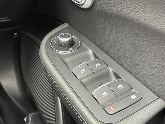 ヴェローチェ 黒革 フルセグナビ キセノン バックカメラ ACC レーンキープアシスト 新型モデル(27枚目)