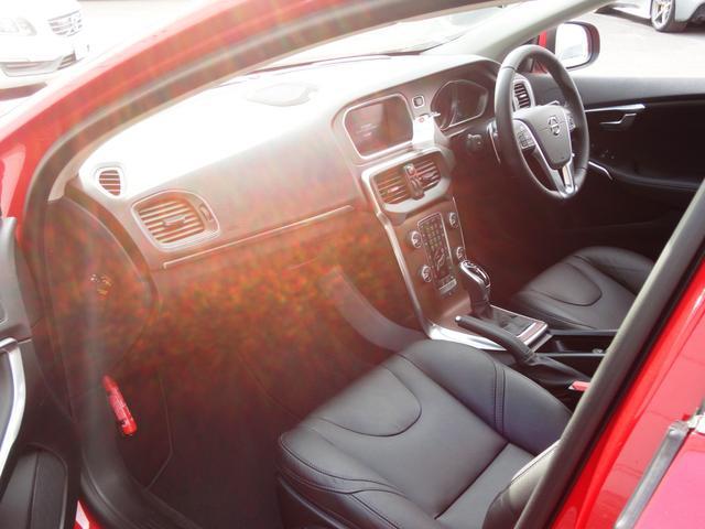 T3 クラシックエディション レザー LEDライト フルセグナビ ガラスルーフ 新車保証継承(9枚目)