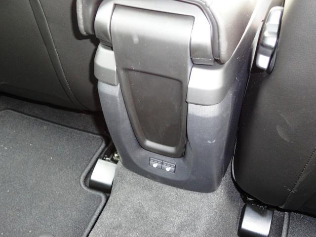 T3 クラシックエディション レザー LEDライト フルセグナビ ガラスルーフ 新車保証継承(27枚目)