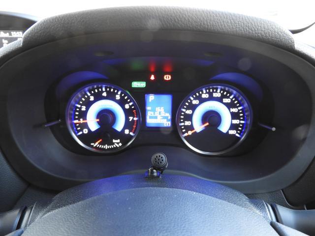 XVハイブリット専用のブルーメーター、ガソリン車とは一味違う印象がGOODですね!