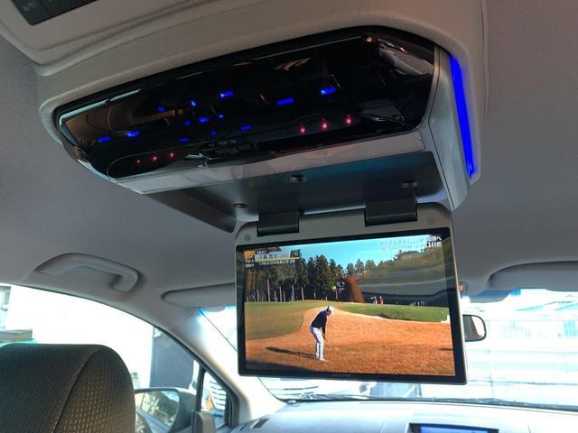 23S 後期モデル 4WD 両側パワスラ 社外HDDナビ地デジTV ALPINEフリップダウンモニター DVD再生 CD録音 スマートキー オットマン ETC ABS 純正17インチAW 8人乗り(23枚目)