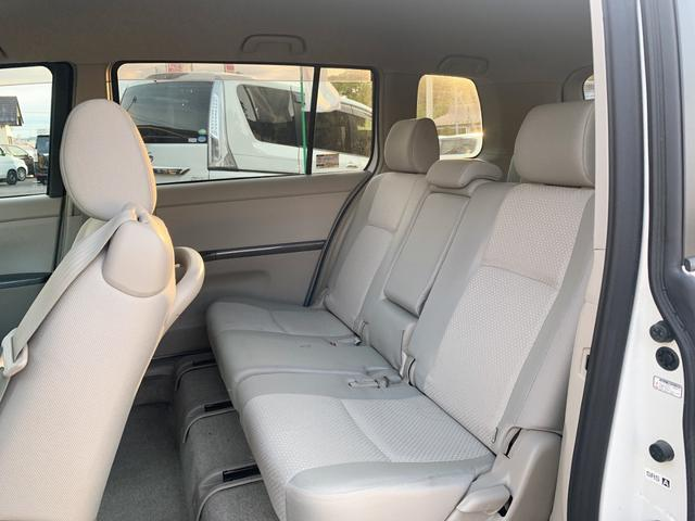 プラタナリミテッド 後期モデル 両側パワスラ 純正CDオーディオ スマートキー プッシュスタート ステアリングスイッチ HID フォグ付 ABS ウィンカーミラー 純正15インチAW 7人乗り(16枚目)