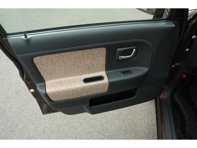 G エディション 4WD HDDナビ スタッドレスタイヤ付(16枚目)
