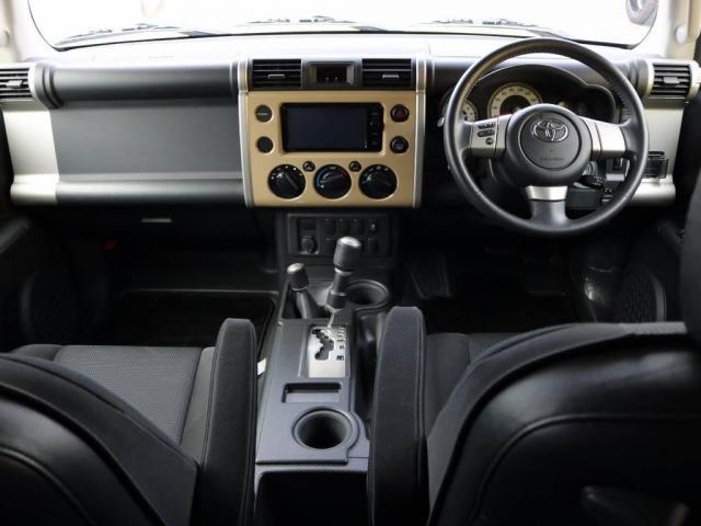 トヨタ FJクルーザー カラーパッケージ センターラインAW 2UP ルーフレール